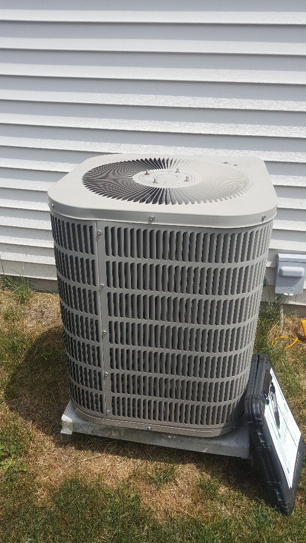Poplar Grove, IL - Goodman air conditioning maintenance inspection and cleaning