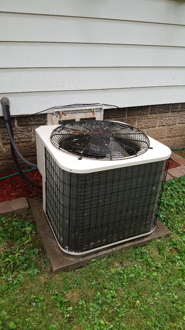 Dixon, IL - Seasonal maintenance on a Bryant air conditioner. Oldie but a goodie!!!