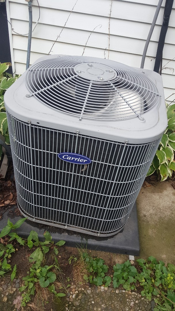 Freeport, IL - Carrier air conditioning maintenance inspection and cleaning