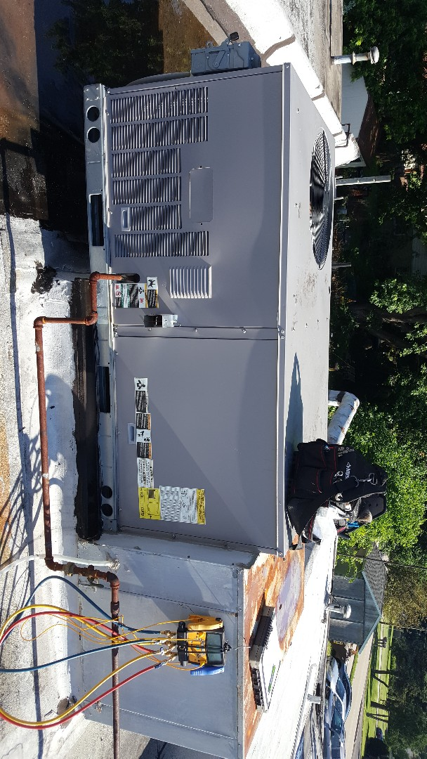 Byron, IL - Seasonal maintenance on a Bryant commercial air conditioner. Local business keeping up on their maintenance!