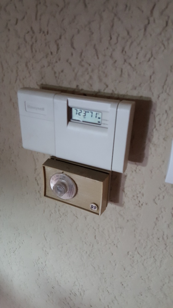 Freeport, IL - Seasonal maintenance on s tempstar air conditioner. Don't forget to change the batteries in the thermostat!