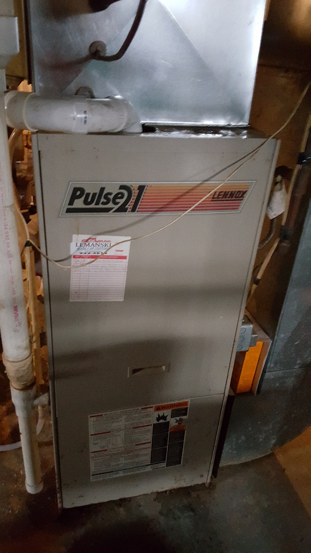 Freeport, IL - Seasonal maintenance on a Lennox pulse. If you have a pulse call the BOMAR BOYS for your furnace and air conditioning needs!
