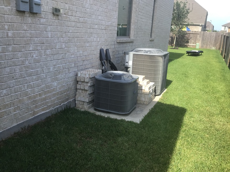 Tomball, TX - Performing a double AC inspection