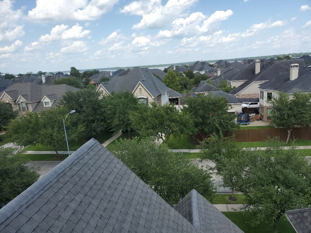 Houston, TX - Taking some more photos on this nice hot day. Not a bad view tho.
