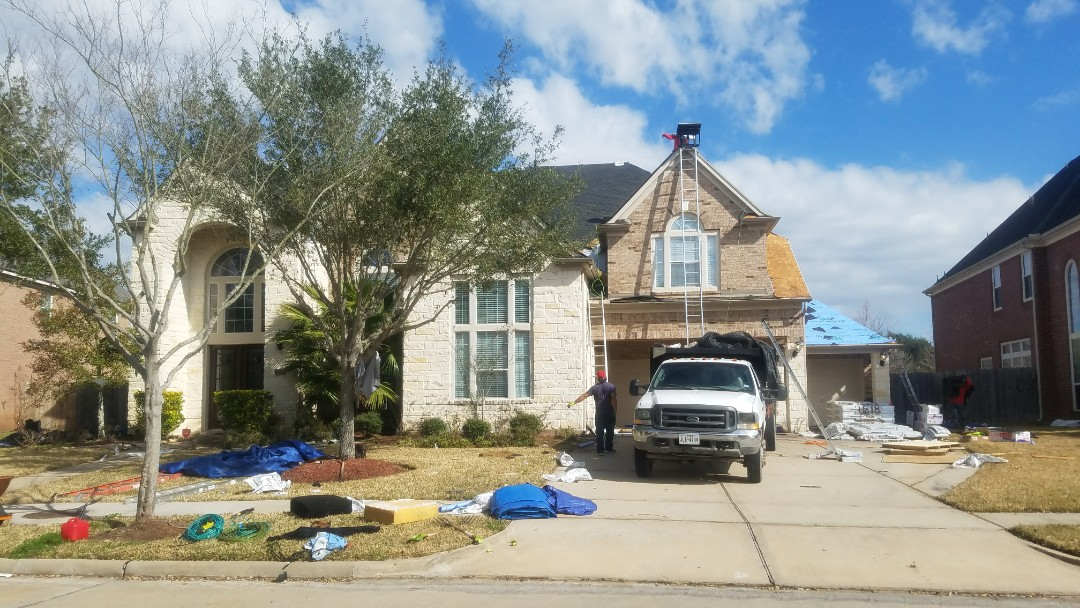 Richmond, TX - A beautiful 85 square roof going up in Richmond paid by the insurance. The customer even upgraded the shingles to a class 4 impact resistant shingle from GAF