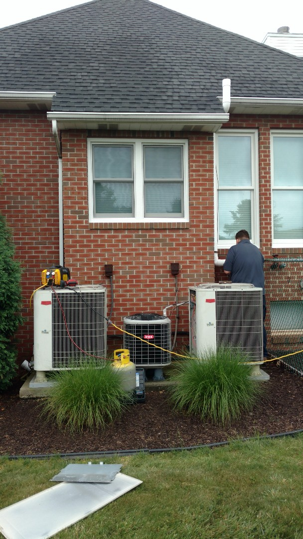 Kunkletown, PA - Replacing two Central heatpump systems with Lennox equipment