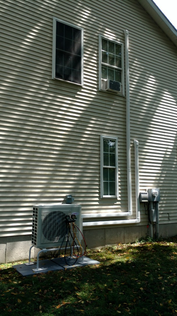 East Stroudsburg, PA - Installed a new Lennox Ductless heat pump system in East Stroudsburg