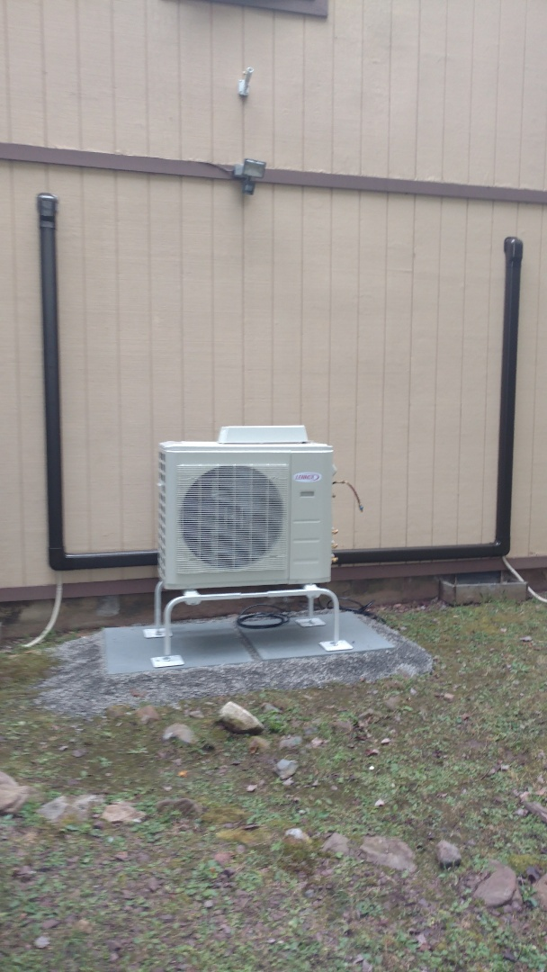 Albrightsville, PA - Installing a new Lennox Ductless heat pump system in Albrightsville