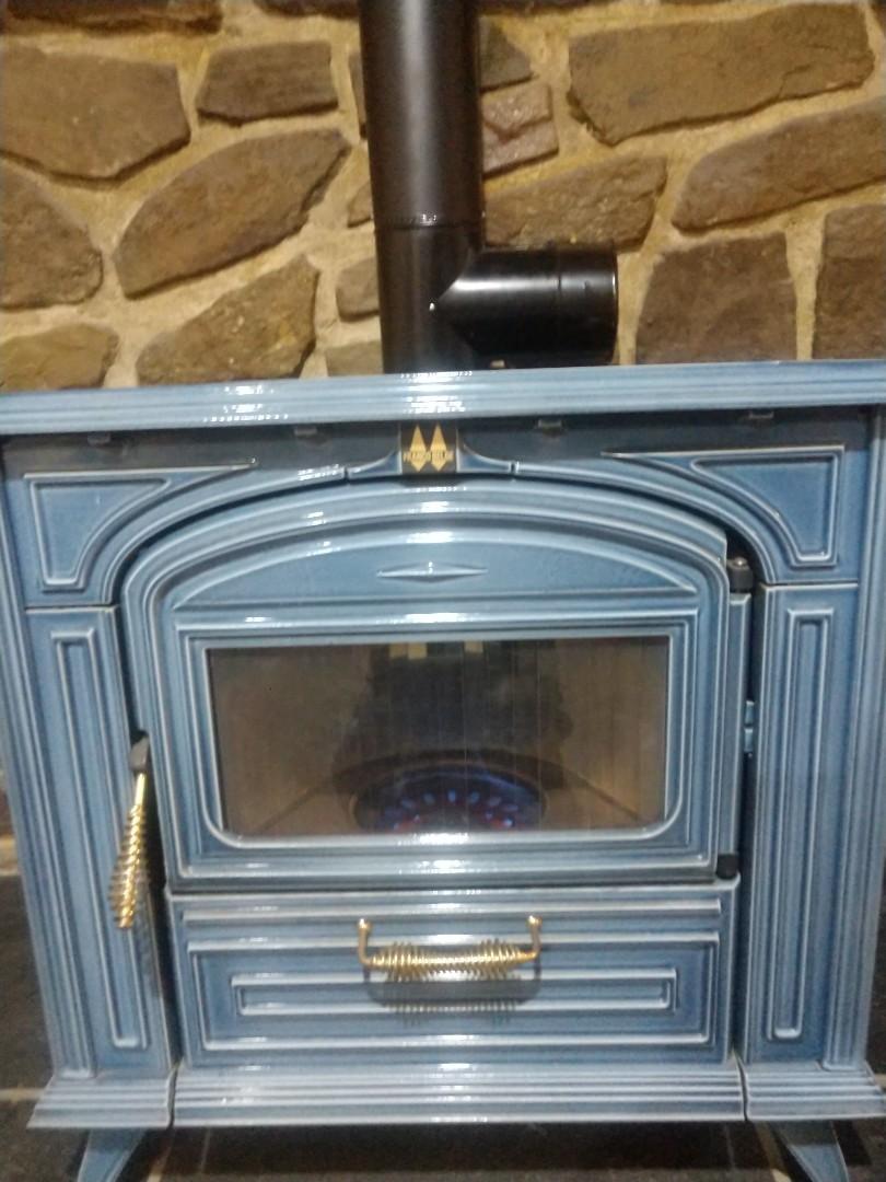 Reeders, PA - Oil stove revival in Jim Thorpe.