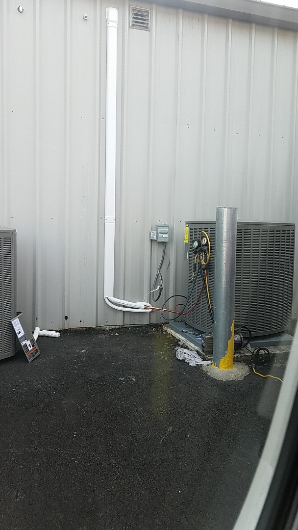 Lehighton, PA - Changing out cold air outdoor unit in East Stroudsburg.