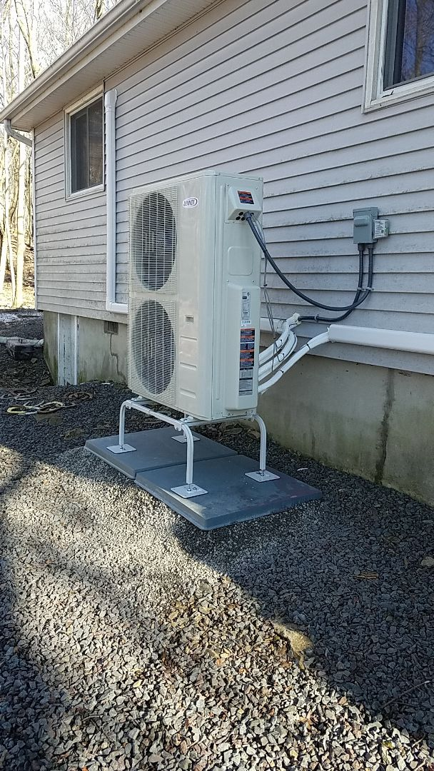 Lake Harmony, PA - Installed 3 zone Lennox ductless in Albrightsville.