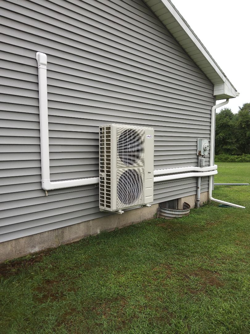 Lehighton, PA - Installed a new tri-zone Lennox ductless heat pump system in Leighton