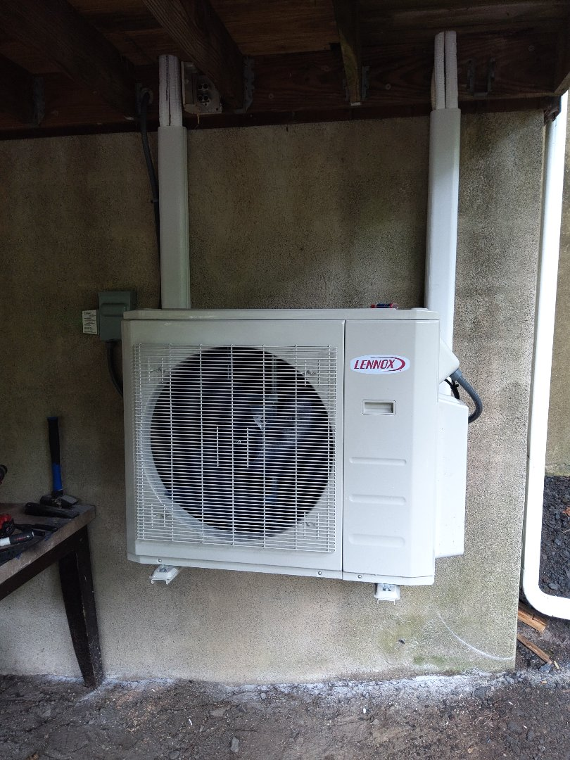 East Stroudsburg, PA - Installed a new Lennox ductless heatpump system in East Stroudsburg