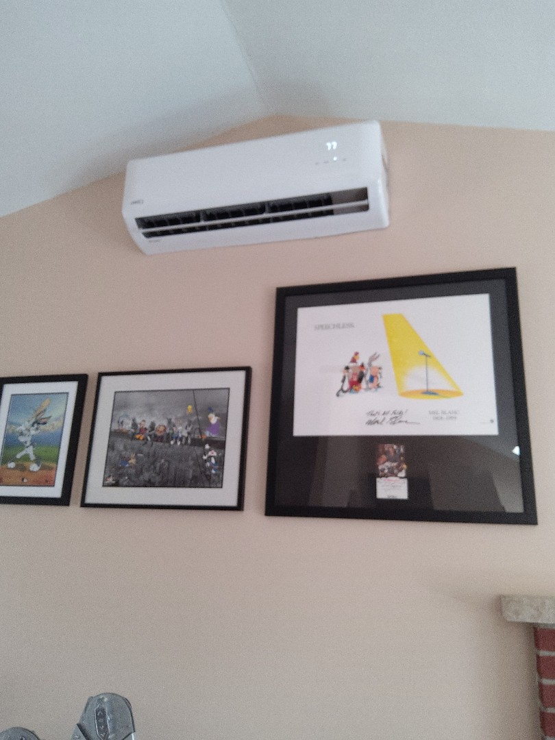 East Stroudsburg, PA - Installed a new 3-zone ductless heat pump system in Easton Stroudsburg