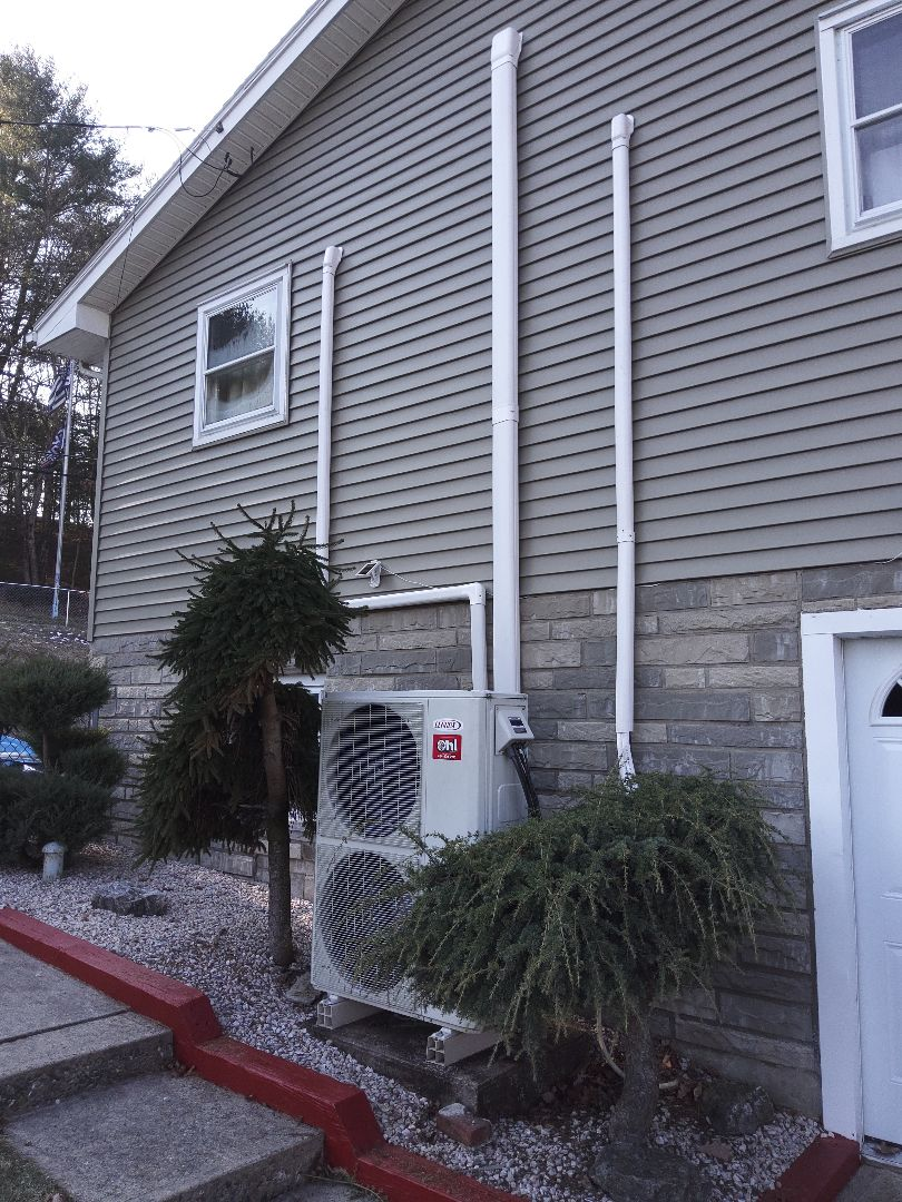 Lehighton, PA - Serviced a Lennox ductless heat pump system in Lehighton