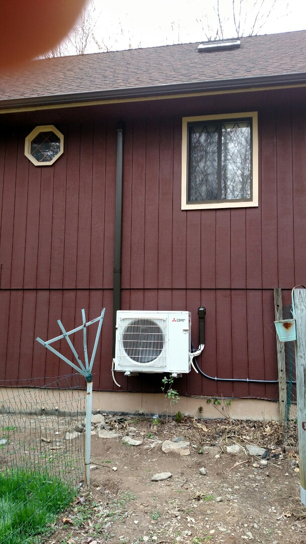 Stroudsburg, PA - Two zones Mitsubishi heat pump  installed I Stroudsburg,pa.