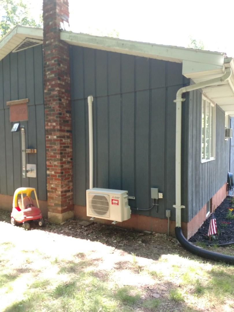 Lehighton, PA - Single zone Mitsubishi heat pump installed in lehighton PA