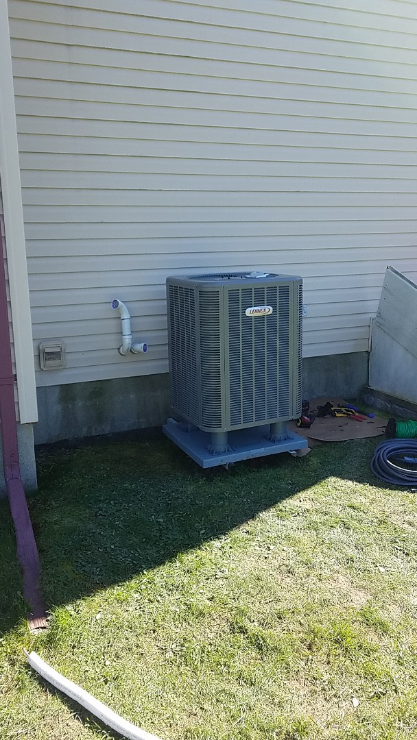 Blakeslee, PA - Installing Lennox AC system