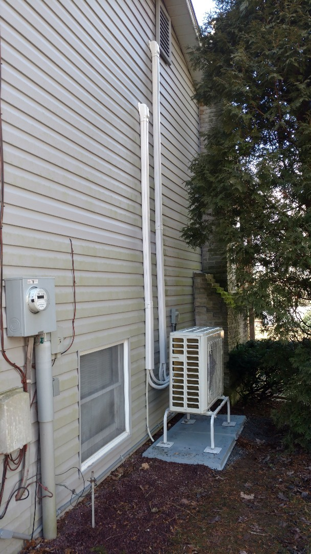 Palmerton, PA - Installed a new Lennox heatpump system in Palmerton