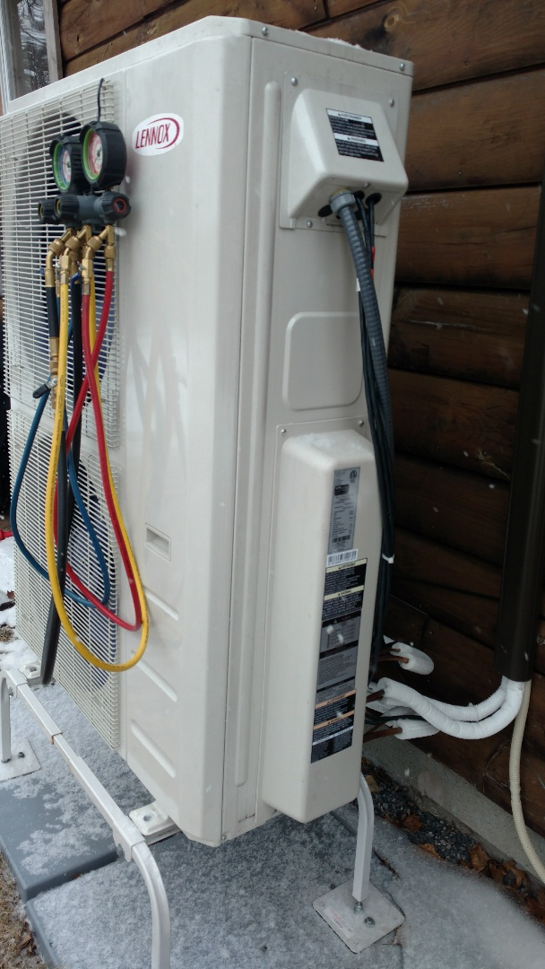 Blakeslee, PA - Installing a new Lennox Ductless heatpump system in Long Pond