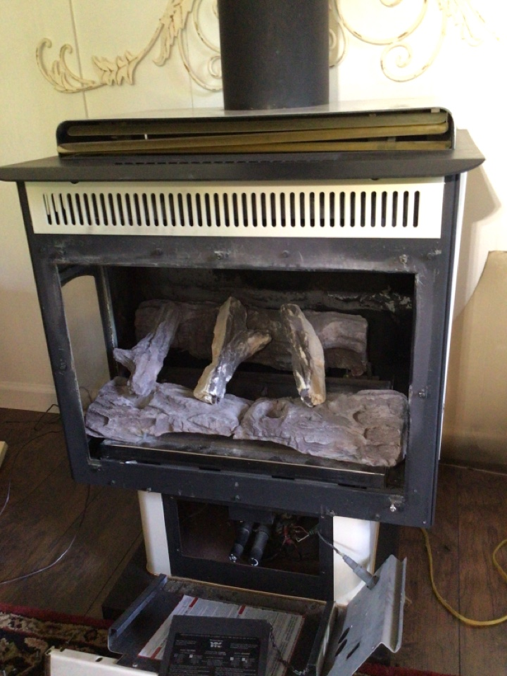 Point Roberts, WA - Gas fireplace diagnostic in Point Roberts, WA.