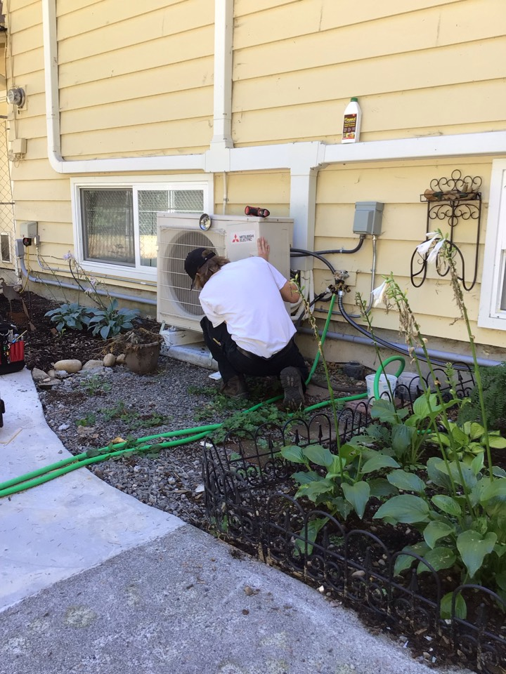 Monroe, WA - Ductless heat pump maintenance. Monroe, Wa