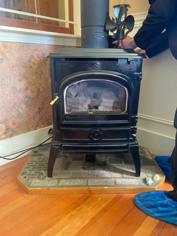 Lynden, WA - Fireplace diagnostic in Lynden, WA.