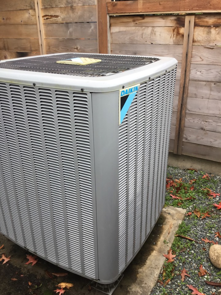 Freeland, WA - Performed annual maintenance on a heat pump for a family in freeland wa