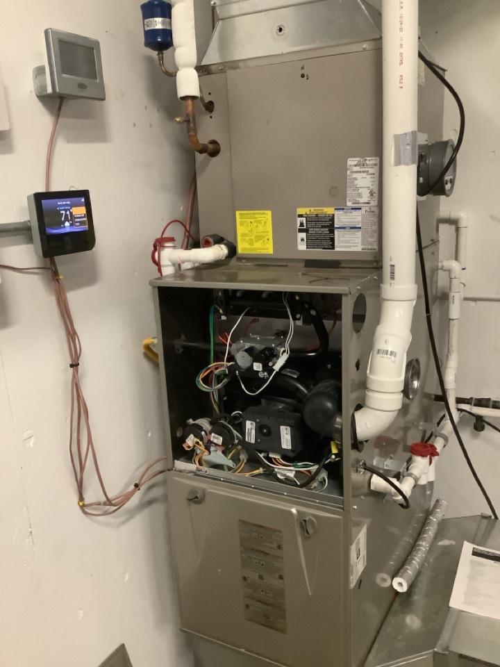 Ferndale, WA - Working on a 90% furnace in the BTS school lab in Fernale, WA.
