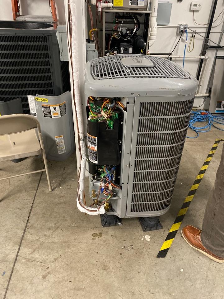 Ferndale, WA - Performed leak test on ODU, Ferndale Washington