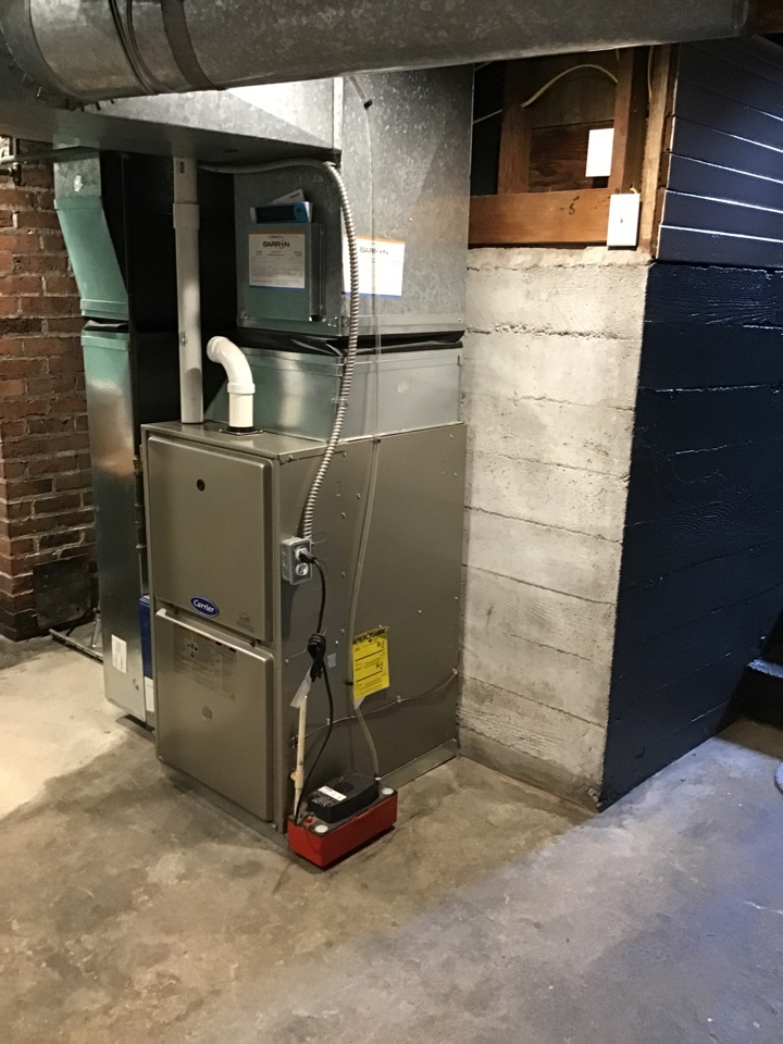Bellingham, WA - Performing a natural gas furnace maintenance for a family in Bellingham Washington