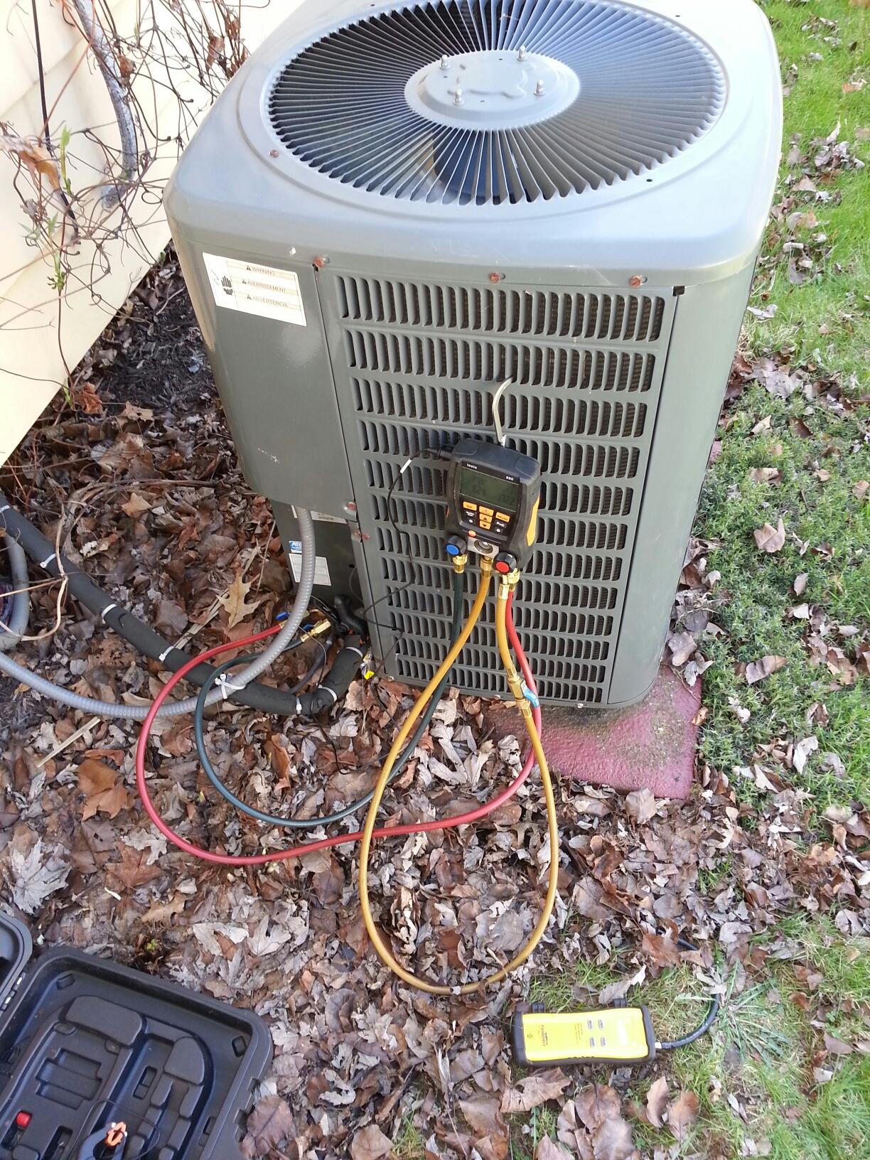 Sunbury, OH - Service on a Goodman Air Conditioner