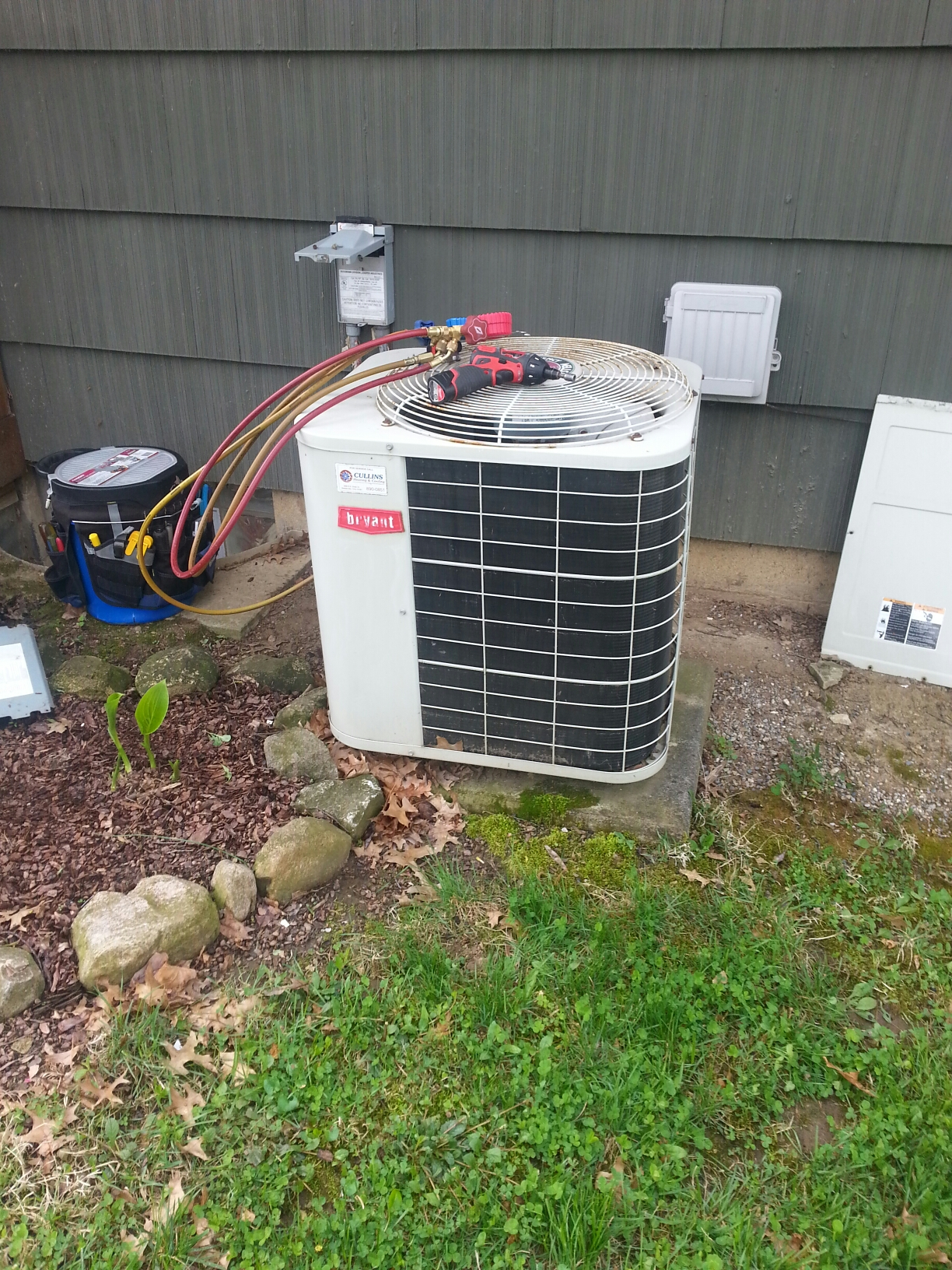 Worthington, OH - Tune up of an Bryant ac unit.