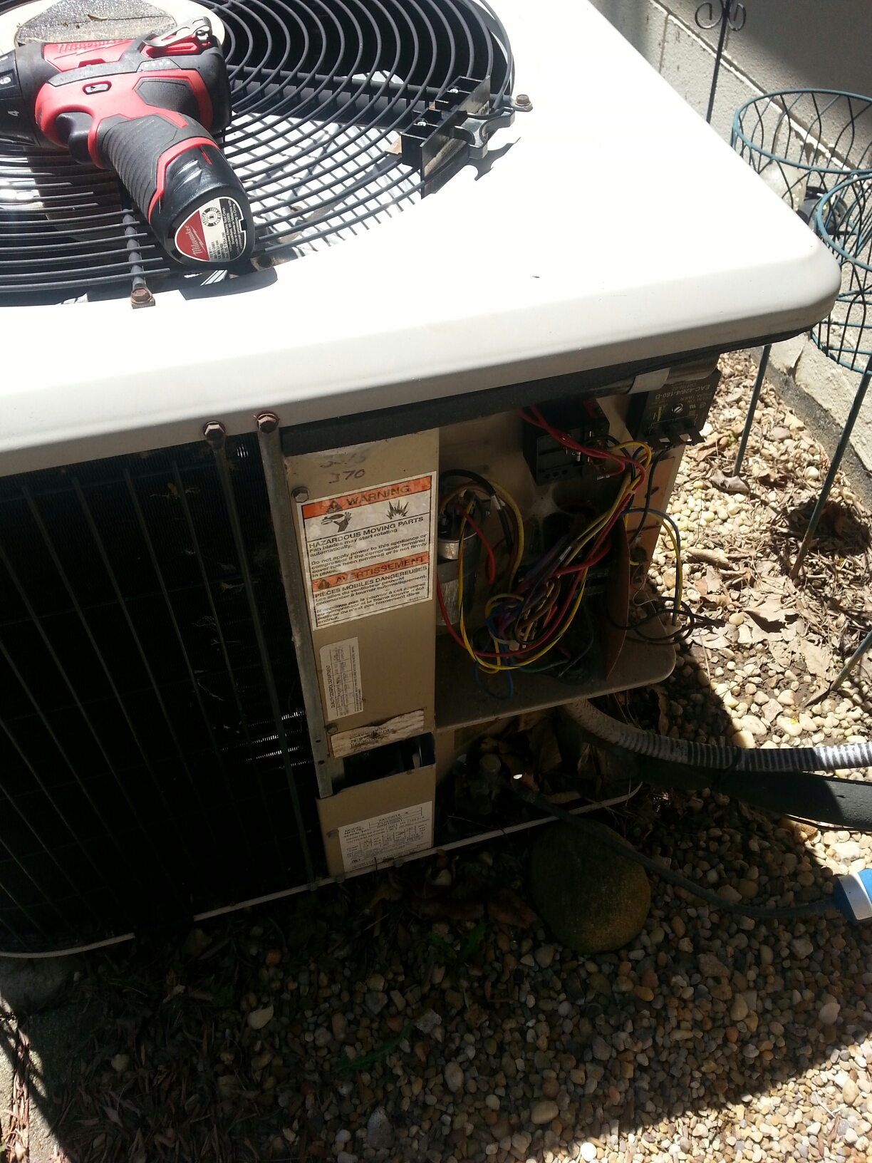 Groveport, OH - Tune up of a air conditioning unit.