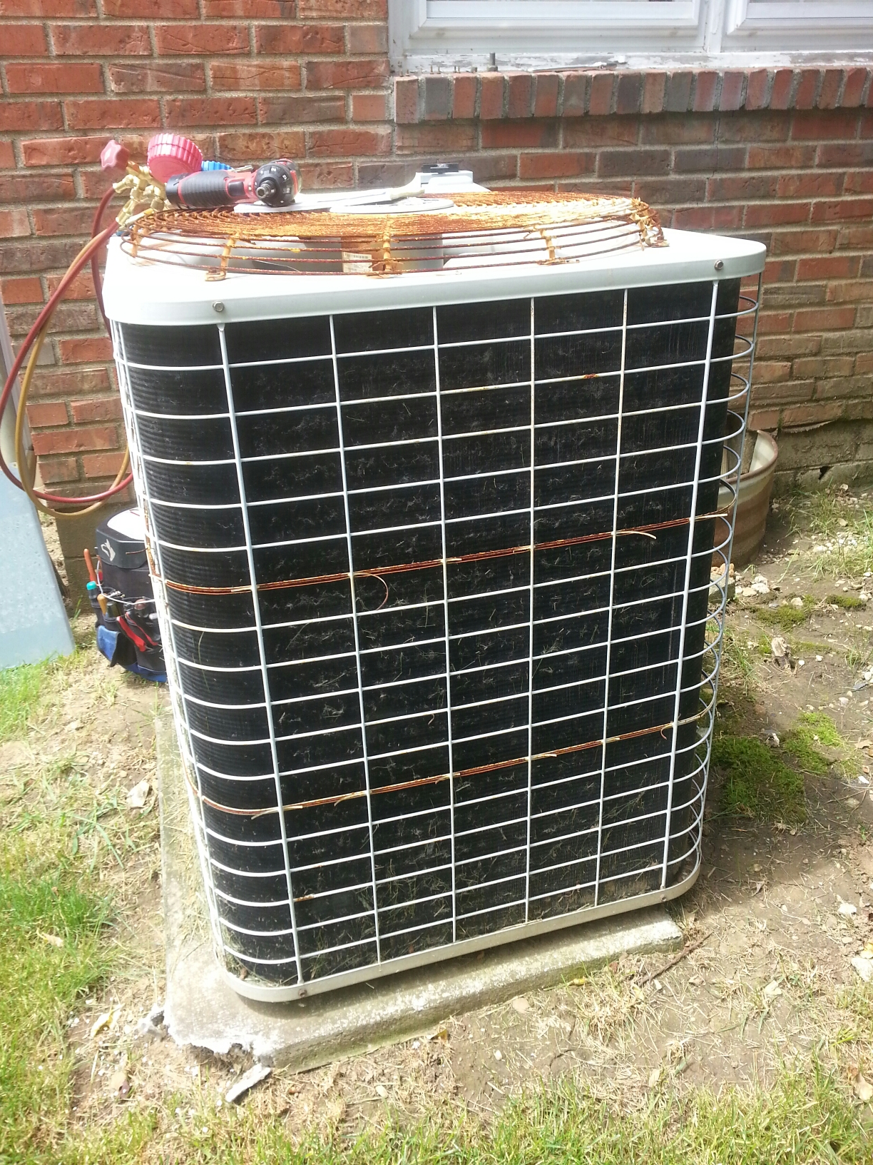 Worthington, OH - Doing a repair on an Bryant air conditioning unit.