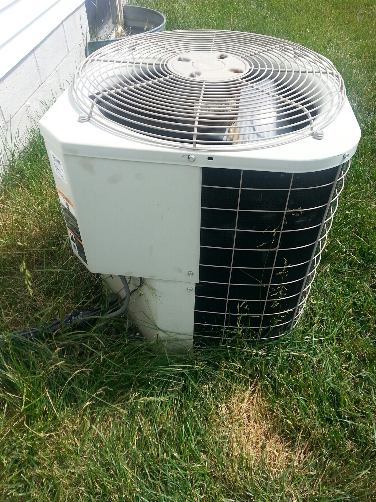 New Albany, OH - Working on an Bryant ac unit.