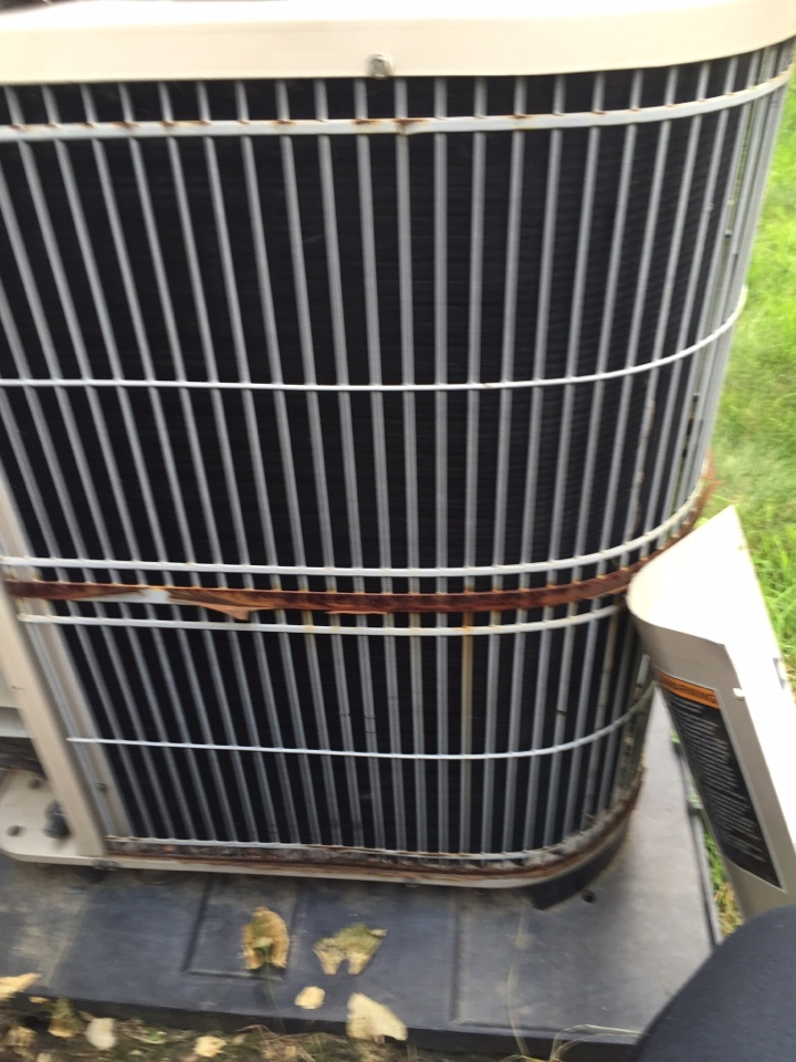 Worthington, OH - Doing a tune up of an ac unit.