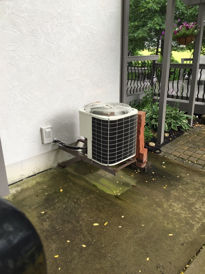 New Albany, OH - Working on a Bryant ac unit.