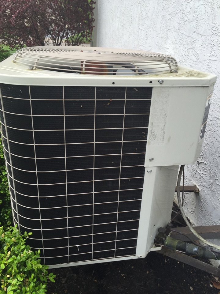 New Albany, OH - Tune up of a Bryant ac unit.