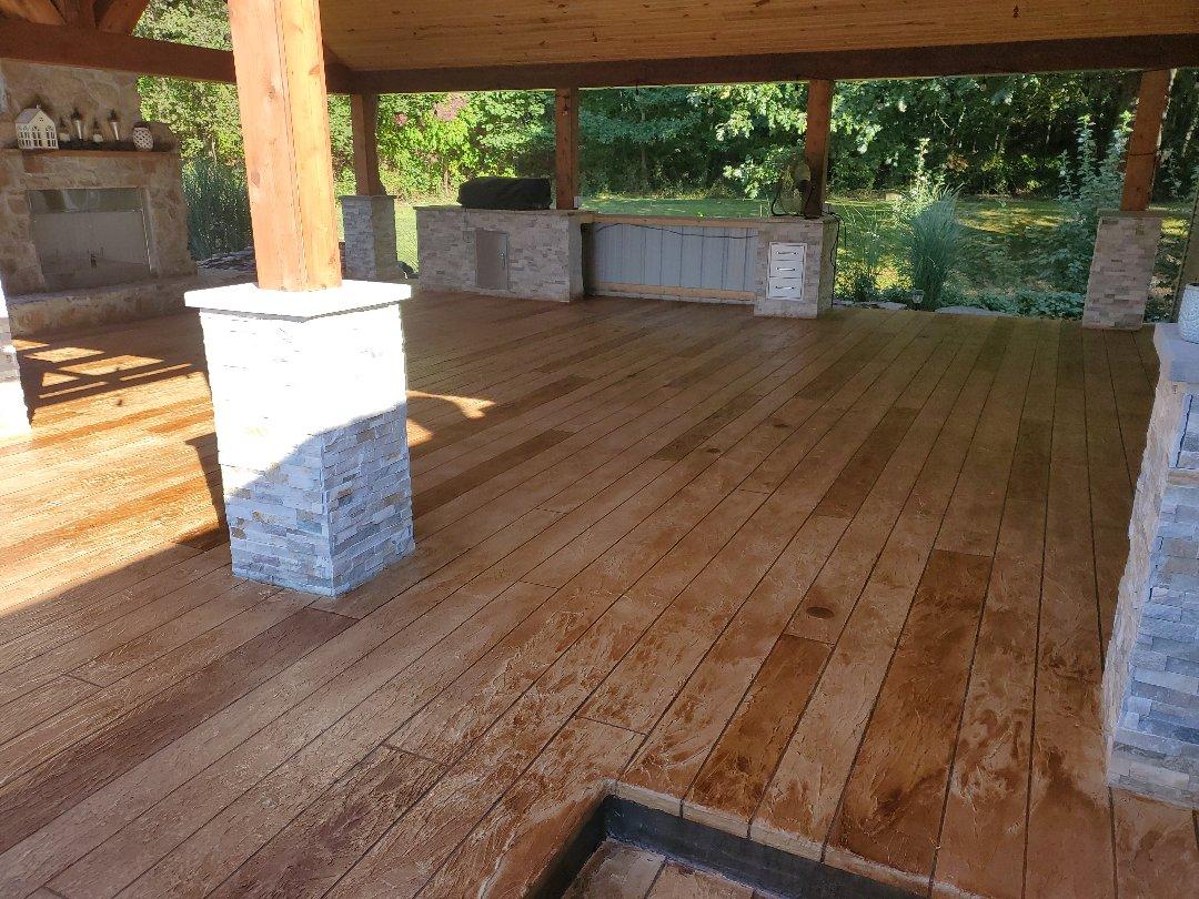 Outdoor kitchen hardwood