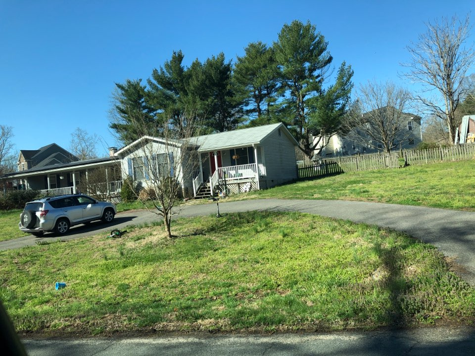 Huntingtown, MD - Roof repair and siding replacement. GAF timberline shingles and JamesHardie Cedar Mill fiber cement siding