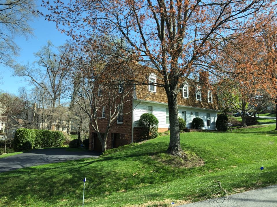 Rockville, MD - Homeowner is looking to replace their roof, old bestest shingles. Replacing with GAF timberline charcoal colored architectural shingles.