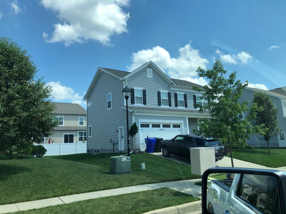 Waldorf, MD - Replace damage ridge vent and ridge cap, with new GAF snow country Richmond and seal a ridge ridge vent ridge cap