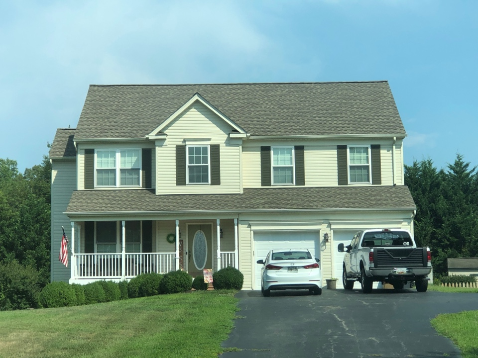 Port Republic, MD - Full roof replacement GAF timberline silver pledge warranty and vinyl replacement windows.