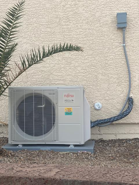 Henderson, NV - Install new Fujitsu 29 seer high efficiency complete mini split system with cassette indoor unit. 10 year parts warranty included in Anthem community henderson