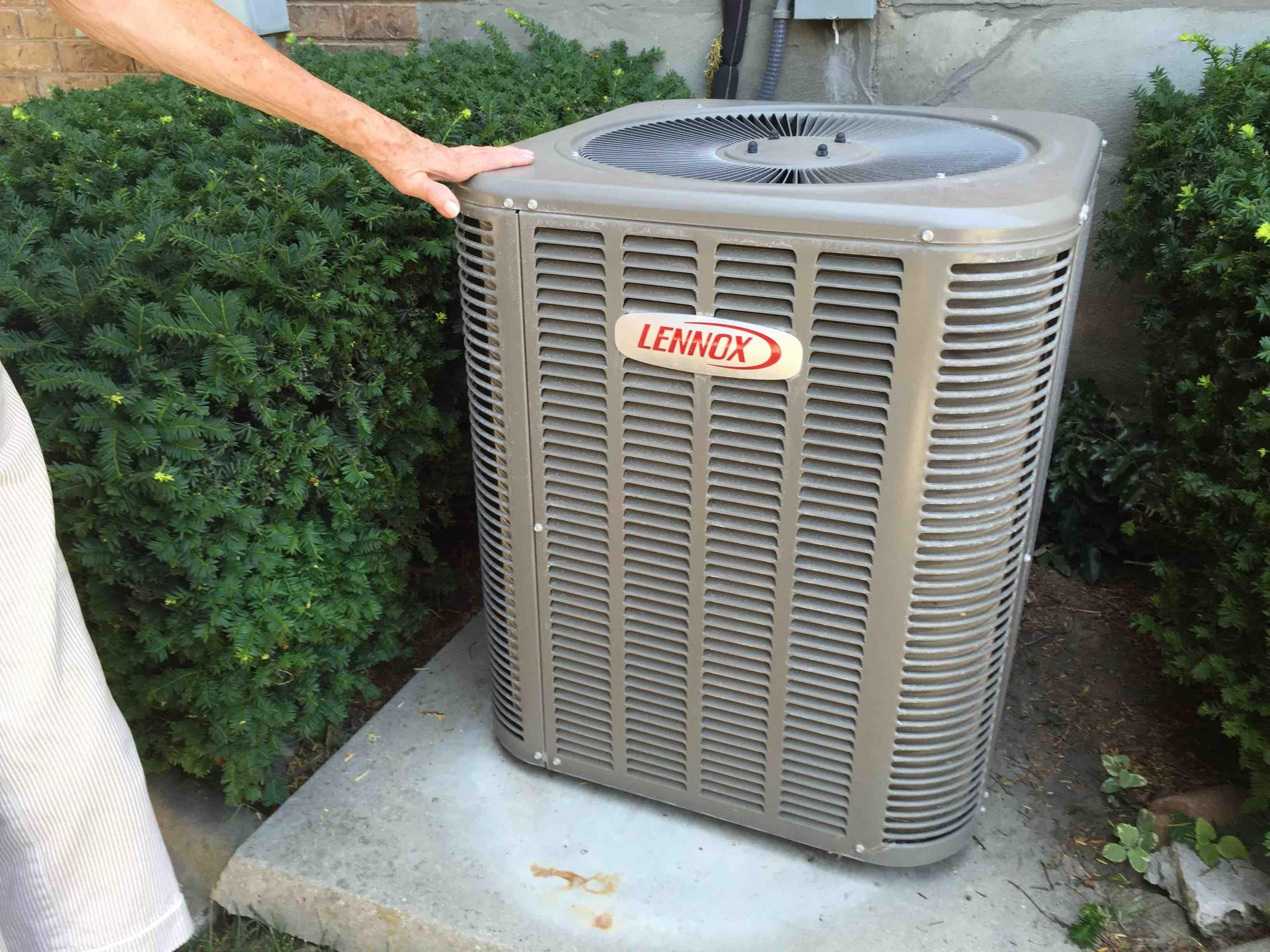 Millcreek, UT - serviced and charged Lennox air conditioner