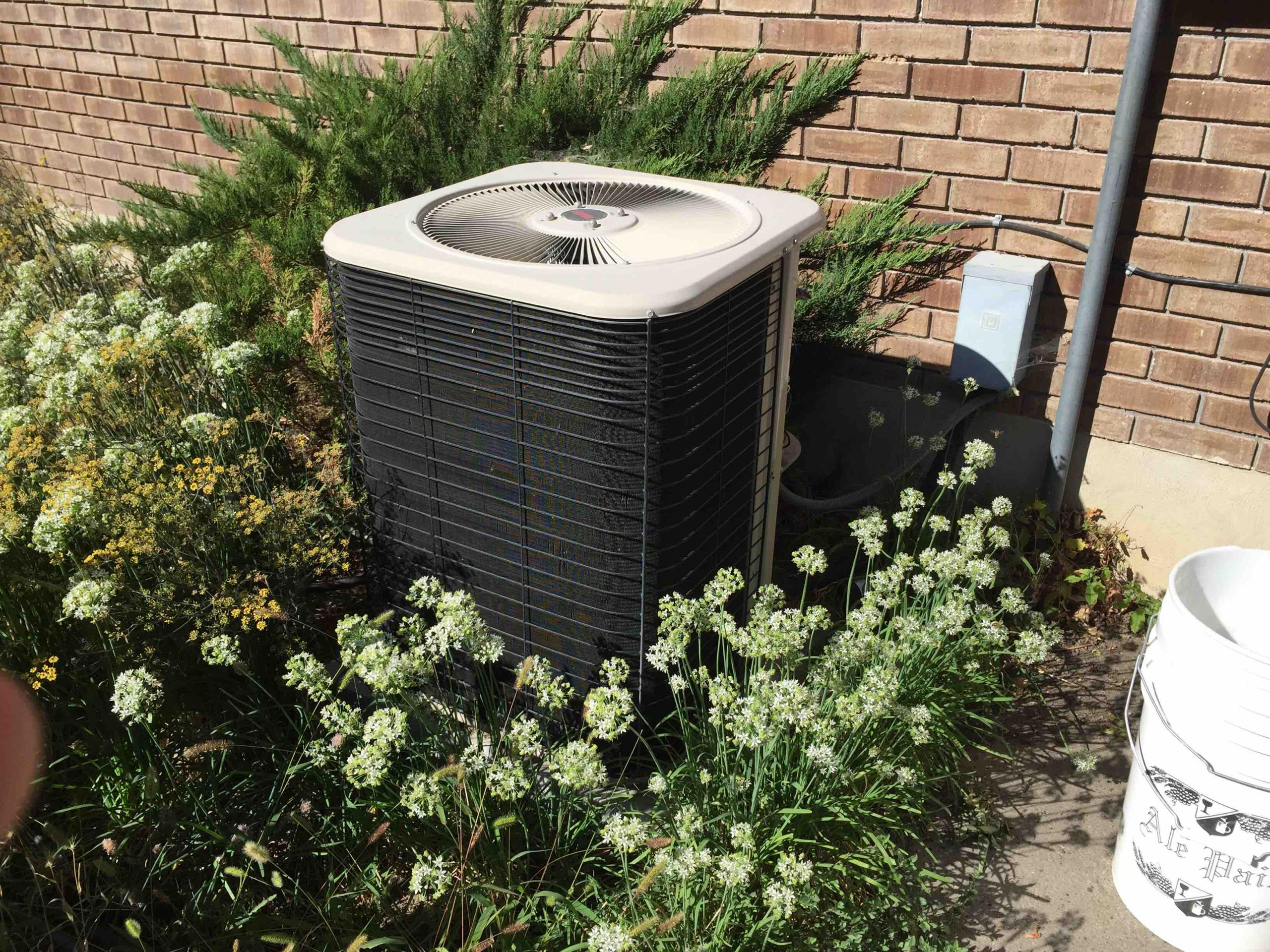 Cottonwood Heights, UT - a/c service. tune up on a Lennox system
