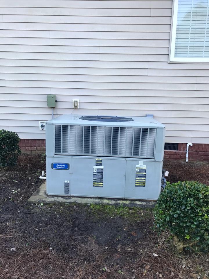 Cleveland, TN - Heating Service.  Heater repair on an American Standard furnace.