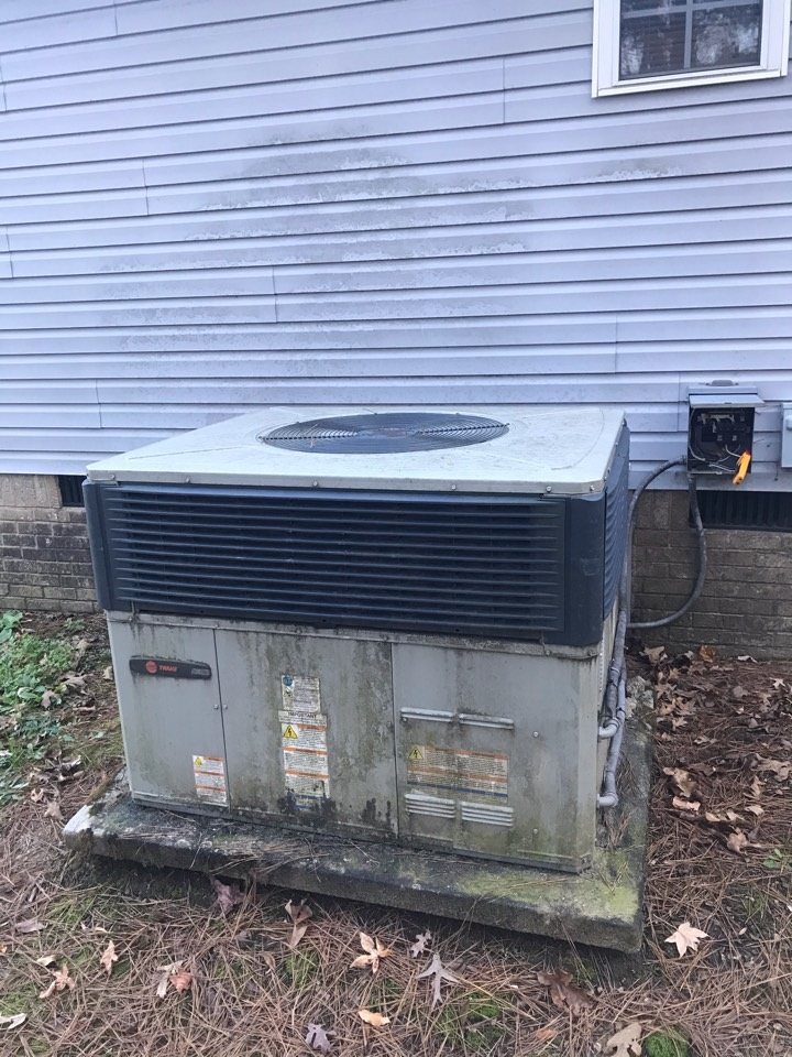 Apison, TN - Heating Service.  Heater repair on a Trane heat pump.
