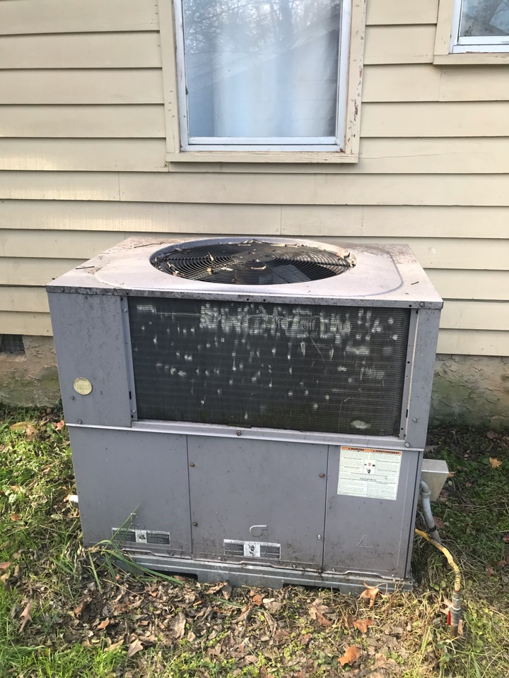 Chattanooga, TN - Heating Service.  Heater repair on a Payne furnace.